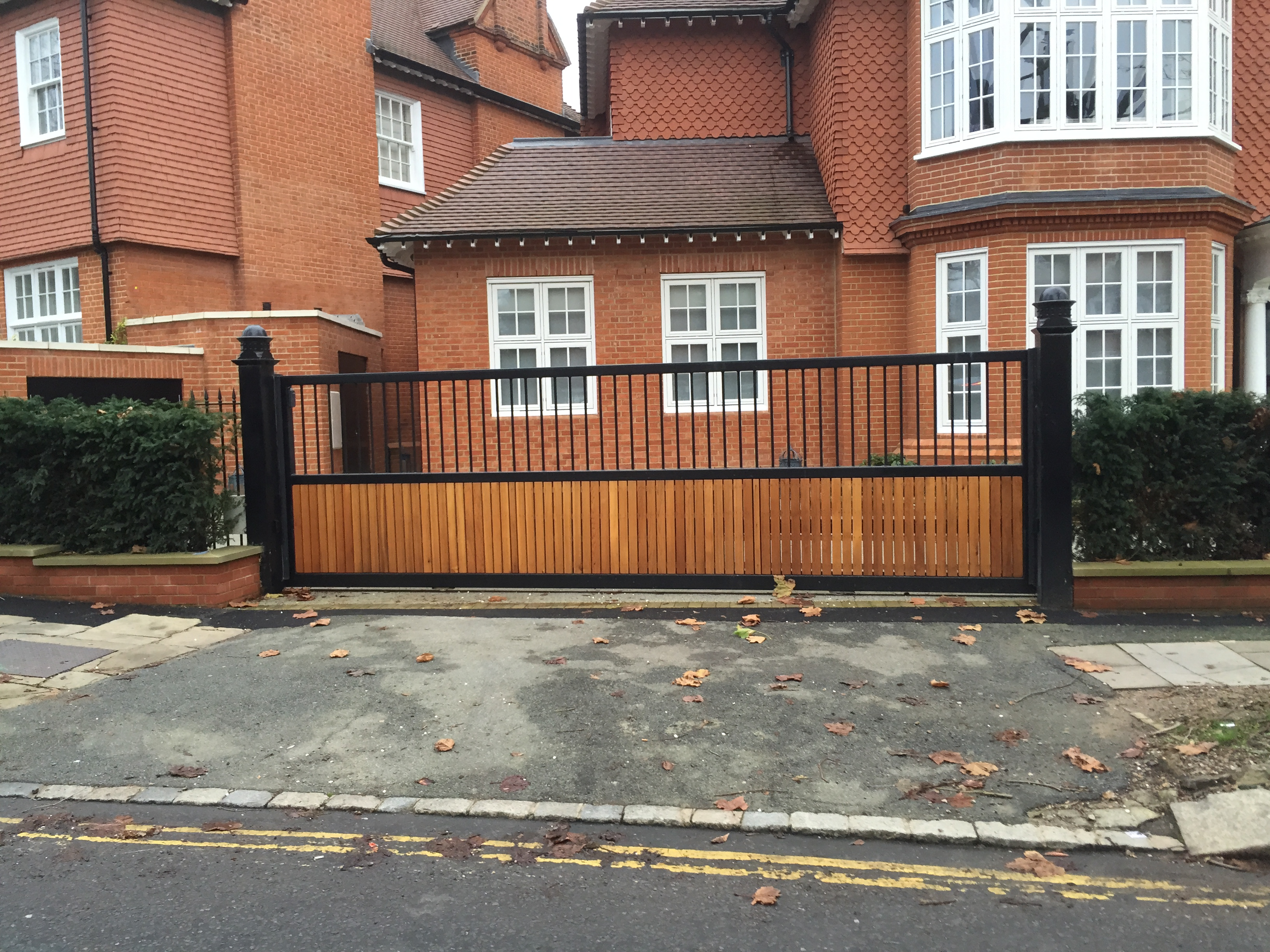 London Gates Amp Grilles Timber Sliding Gates Archives