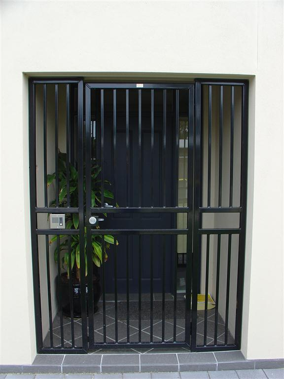 London gates grilles bar grille gates archives london for Front door security bar